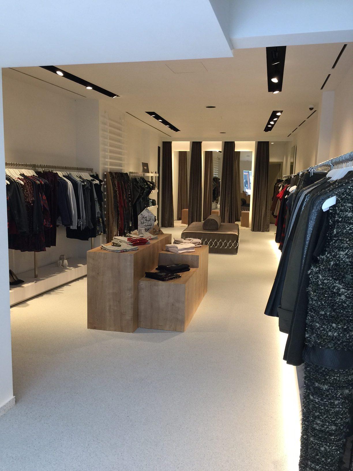 Epoxy-Design offre bel tappeto di pietra a Ciao Condotti - Diest